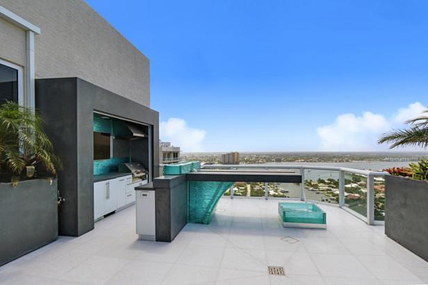 2700 N Ocean Drive #ph1a Real Estate Property Photo #14
