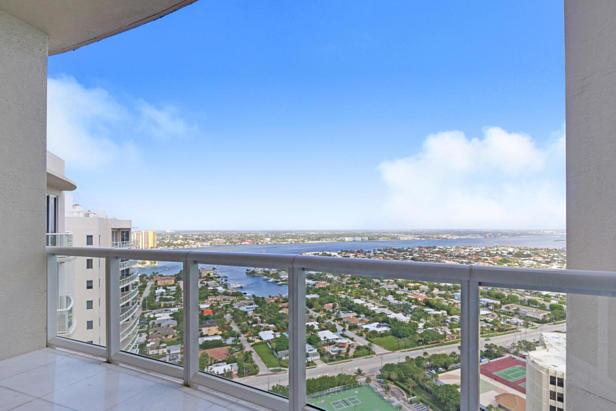 2700 N Ocean Drive #ph1a Real Estate Property Photo #18