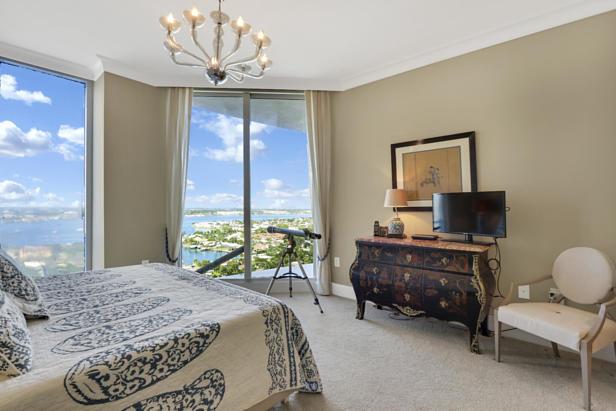 2700 N Ocean Drive  #1806b Real Estate Property Photo #11