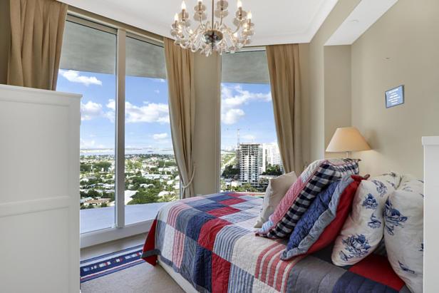 2700 N Ocean Drive  #1806b Real Estate Property Photo #14