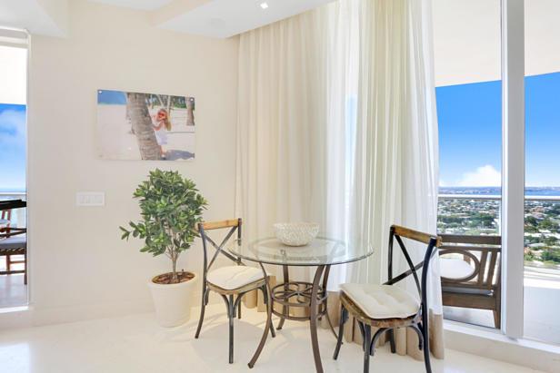 2700 N Ocean Drive  #2206b Real Estate Property Photo #5