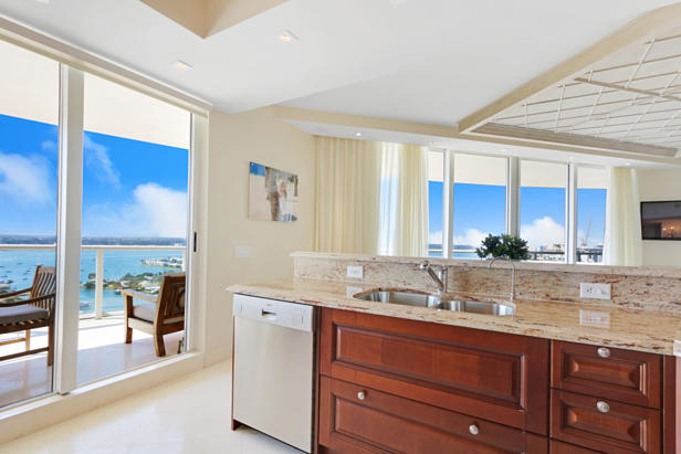 2700 N Ocean Drive  #2206b Real Estate Property Photo #7