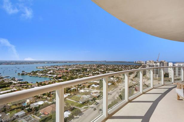 2700 N Ocean Drive  #2206b Real Estate Property Photo #18