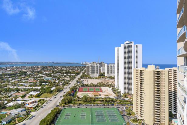 2700 N Ocean Drive  #2206b Real Estate Property Photo #19