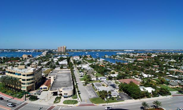 2700 N Ocean Drive  #1206b Real Estate Property Photo #2