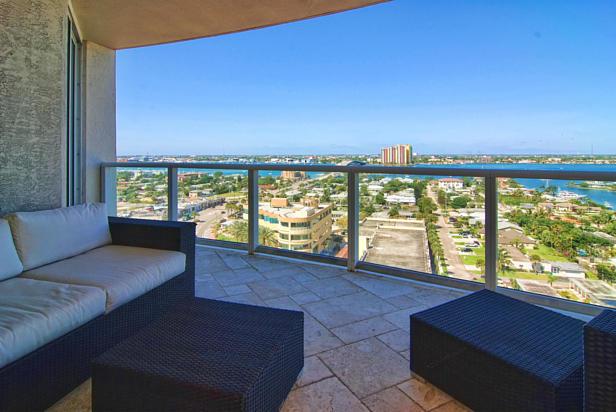 2700 N Ocean Drive  #1206b Real Estate Property Photo #3