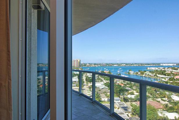 2700 N Ocean Drive  #1206b Real Estate Property Photo #6
