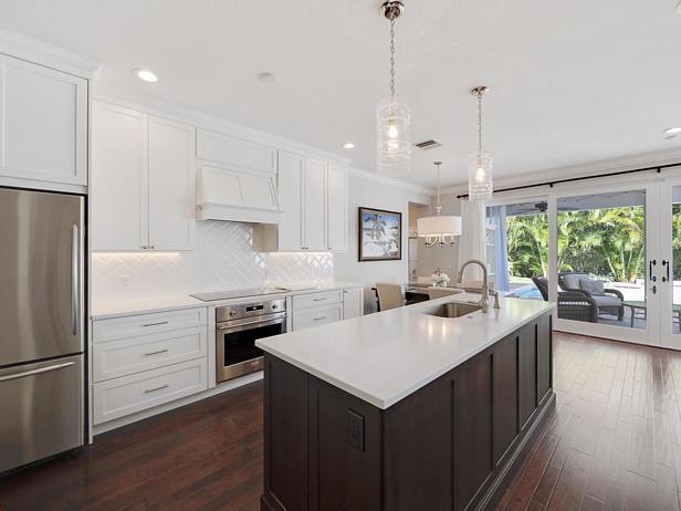 136 Sweet Bay Circle  Real Estate Property Photo #9