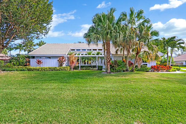 4 Sheldrake Circle  Real Estate Property Photo #2