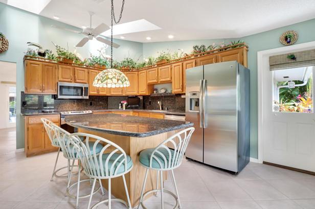 4 Sheldrake Circle  Real Estate Property Photo #13