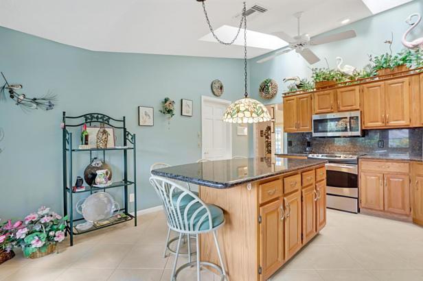 4 Sheldrake Circle  Real Estate Property Photo #14
