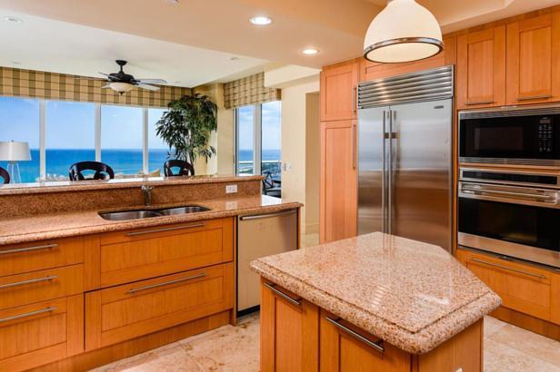 2700 N Ocean Drive #2002b Real Estate Property Photo #5