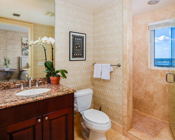 2700 N Ocean Drive #2002b Real Estate Property Photo #10