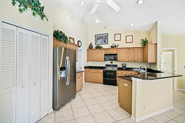 14450 69th Drive N Real Estate Property Photo #12
