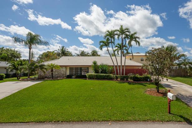 4158 Oak Street  Real Estate Property Photo #1