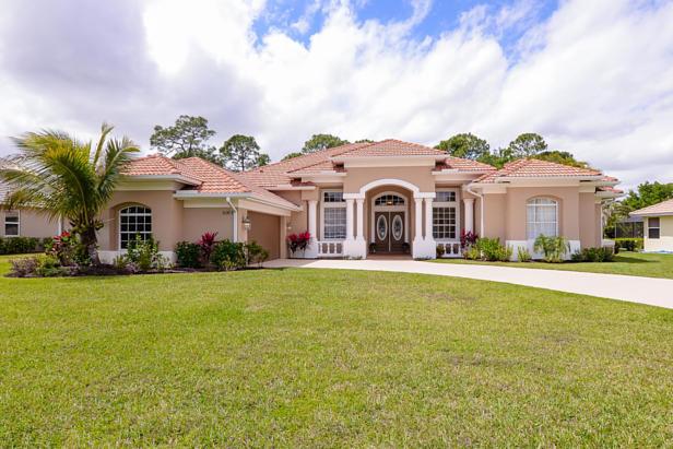 8063 Kiawah Trace  Real Estate Property Photo #1