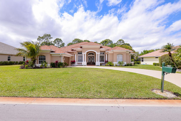 8063 Kiawah Trace  Real Estate Property Photo #2