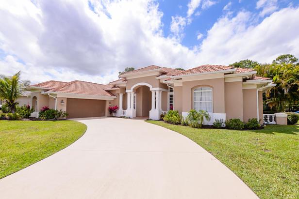 8063 Kiawah Trace  Real Estate Property Photo #4