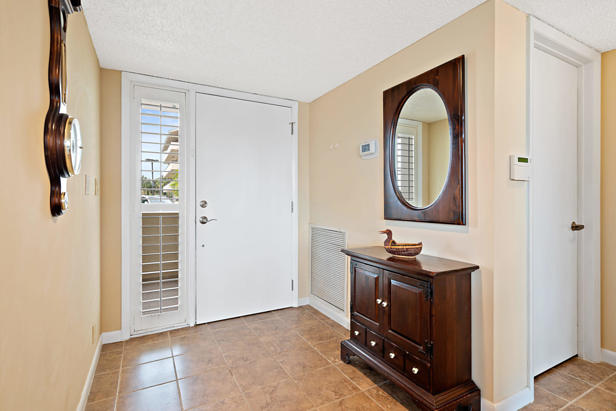 16940 Bay Street #n202 Real Estate Property Photo #4