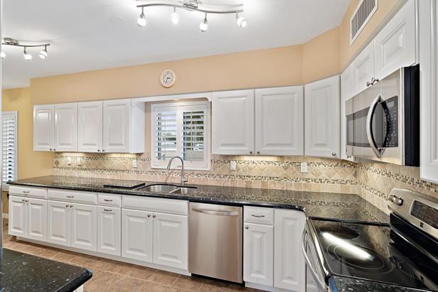 16940 Bay Street #n202 Real Estate Property Photo #9