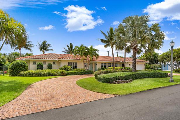 200 Cascade Lane  Real Estate Property Photo #2