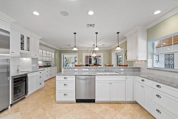 200 Cascade Lane  Real Estate Property Photo #7