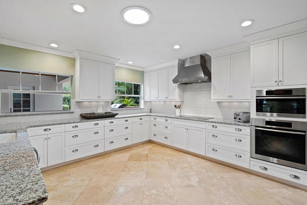 200 Cascade Lane  Real Estate Property Photo #9